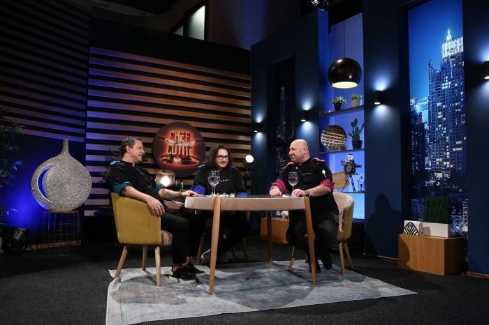 Chefi la cuţite, astăzi, de la 20:30, la Antena 1: Cătălin Amarandei, Elena Matei și Narcisa Birjaru, finaliștii sezonului 9 Chefi la cuțite