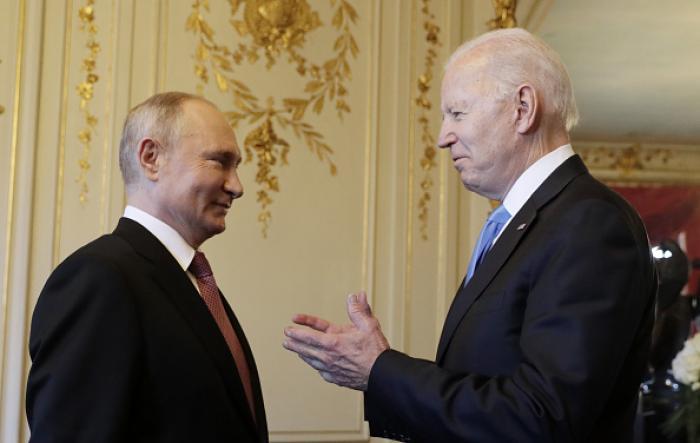 Primul schimb de replici între Vladimir Putin și Joe Biden. Scene haotice în biblioteca vilei din Geneva