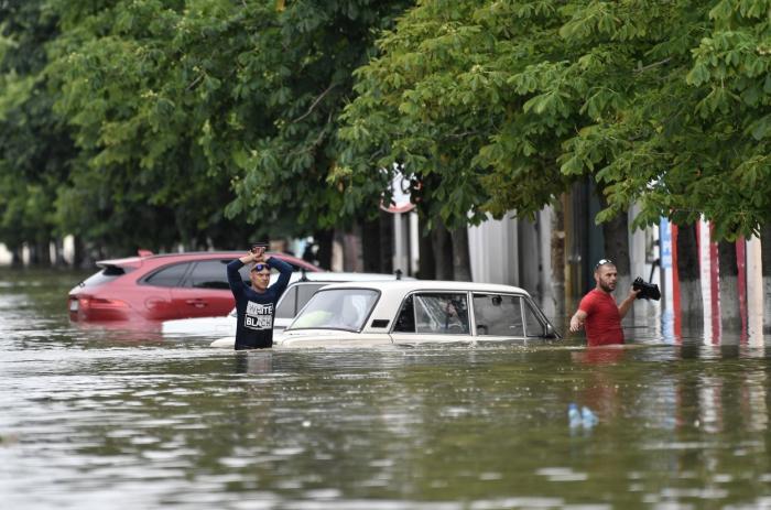 Stare de urgenţă în Crimeea din cauza inundaţiilor. Ciclonul din Marea Neagră loveşte România în acest sfârşit de săptămână