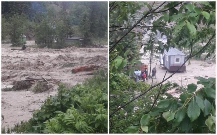 Muncitori izolați de viitură, în Vrancea, de vineri seară. 12 persoane s-au refugiat într-un vagon remorcă și așteaptă să fie salvate