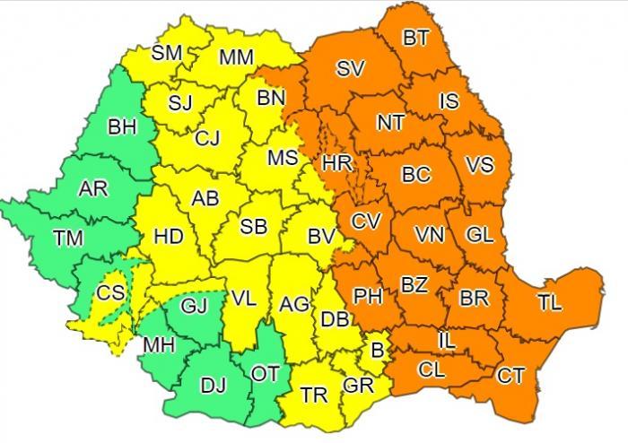 ANM a actualizat codul portocaliu de ploi torenţiale. Vreme severă în Capitală și 35 de județe, până luni seară