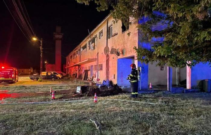 Bărbat găsit carbonizat după un incendiu care a izbucnit într-un bloc din Giroc, lângă Timișoara