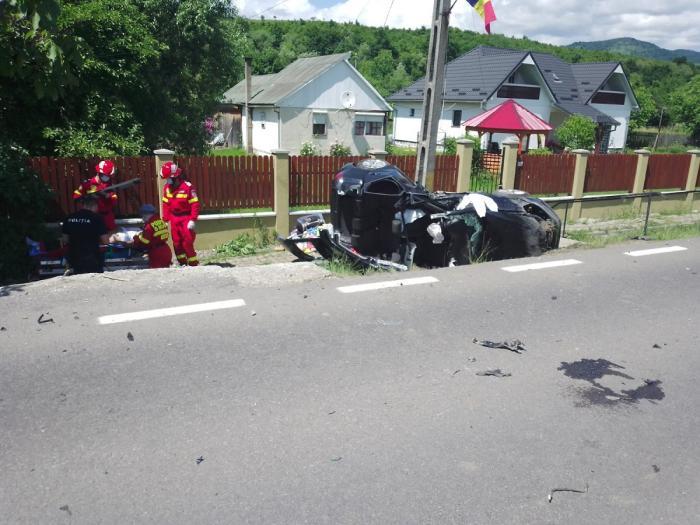 Accident cu şase victime în Mureş. Prăpăd la Deda, după ce un şofer care venea din Spania a depăşit o coloană de maşini