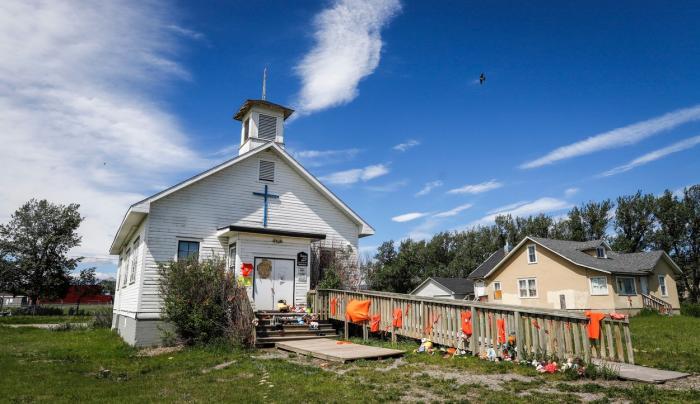 751 de morminte nemarcate au fost descoperite la o fostă școală rezidențială pentru copii indigeni în Canada