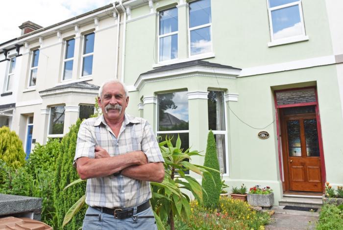 Colin Steer a descoperit o fântână sub podeaua din living