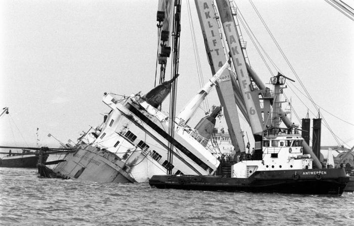 Feribotul Herald of Free Enterprise, scufundat în portul Zeebrugge