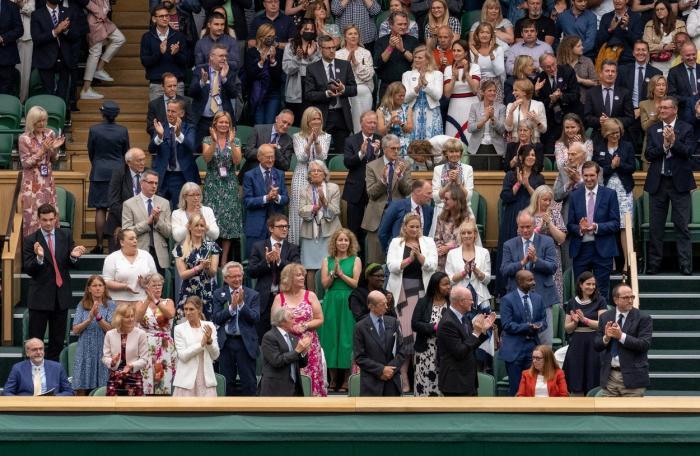 Moment emoționant la Wimbledon. Spectatorii au aplaudat-o în picioare pe cercetătoarea care a contribuit la dezvoltarea serului AstraZeneca