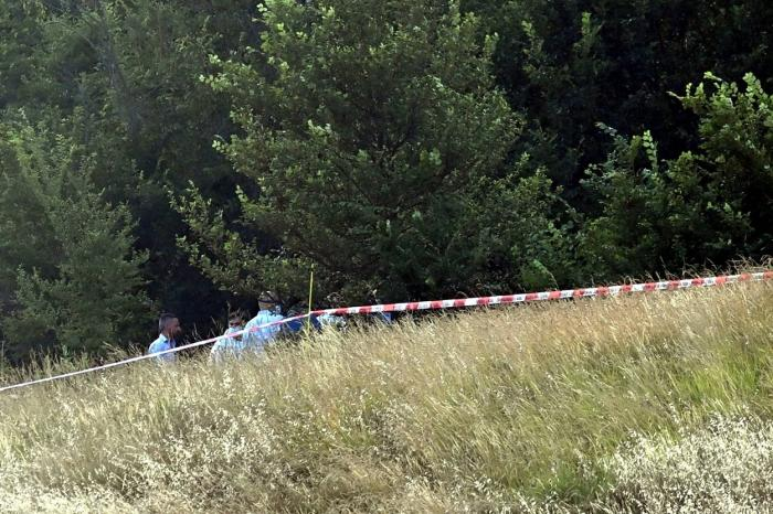 Adolescentă înjunghiată şi abandonată fără viaţă într-un tufiş, la marginea unei păduri din Bologna. Prietenul fetei a mărturisit crima