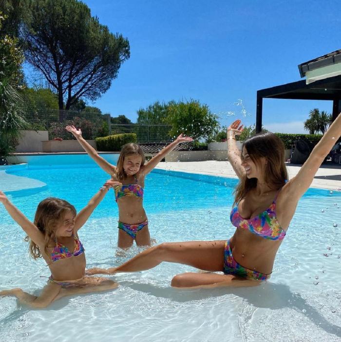 Jessica Melena, alături de cei doi copii