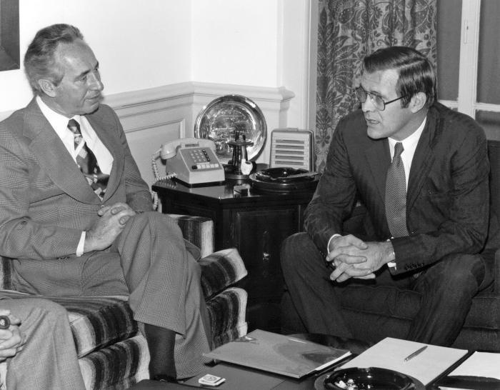 Donald Rumsfeld si Shimon Peres