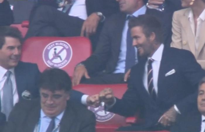 Tom Cruise și David Beckham