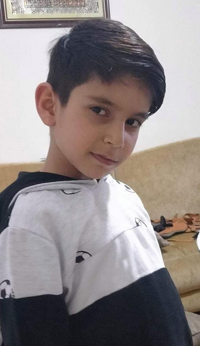 Un băieţel a murit înecat în piscină, în faţa părinţilor care nu i-au văzut semnele disperate după ajutor