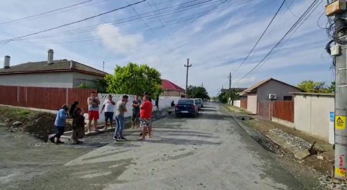 Un tată a murit încercând să-şi apere fiica, la Corbu. Criminalul a dat buzna peste ei în casă, noaptea trecută