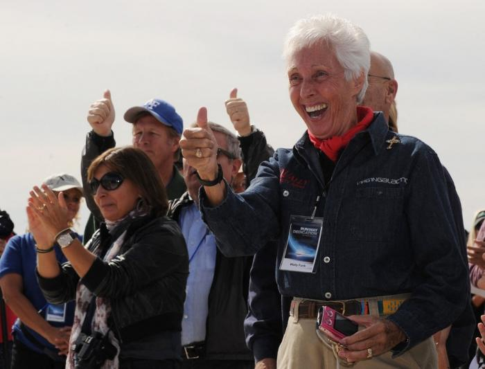 O femeie astronaut, în vârstă de 82 de ani, îl va însoţi pe Jeff Bezons într-o călătorie în spaţiu