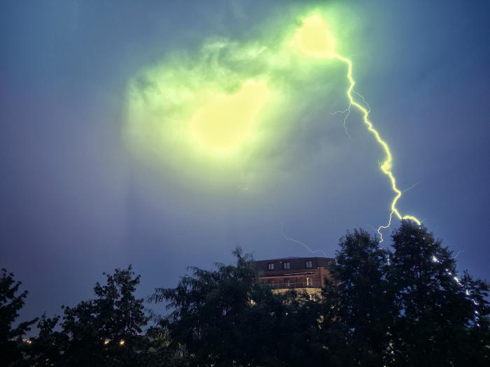 Furtună puternică în București