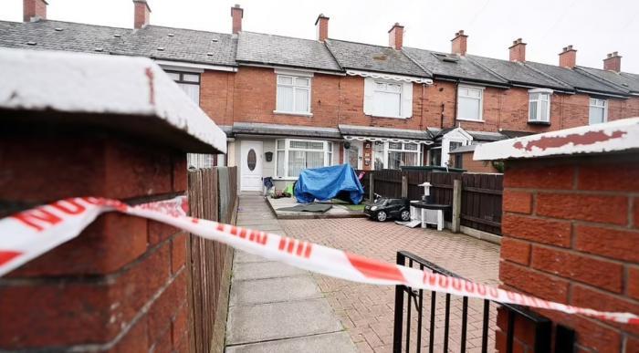 Româncă acuzată că și-a înjunghiat copiii, în Belfast. Fiul de 8 luni a murit, surioara lui este în stare critică la spital