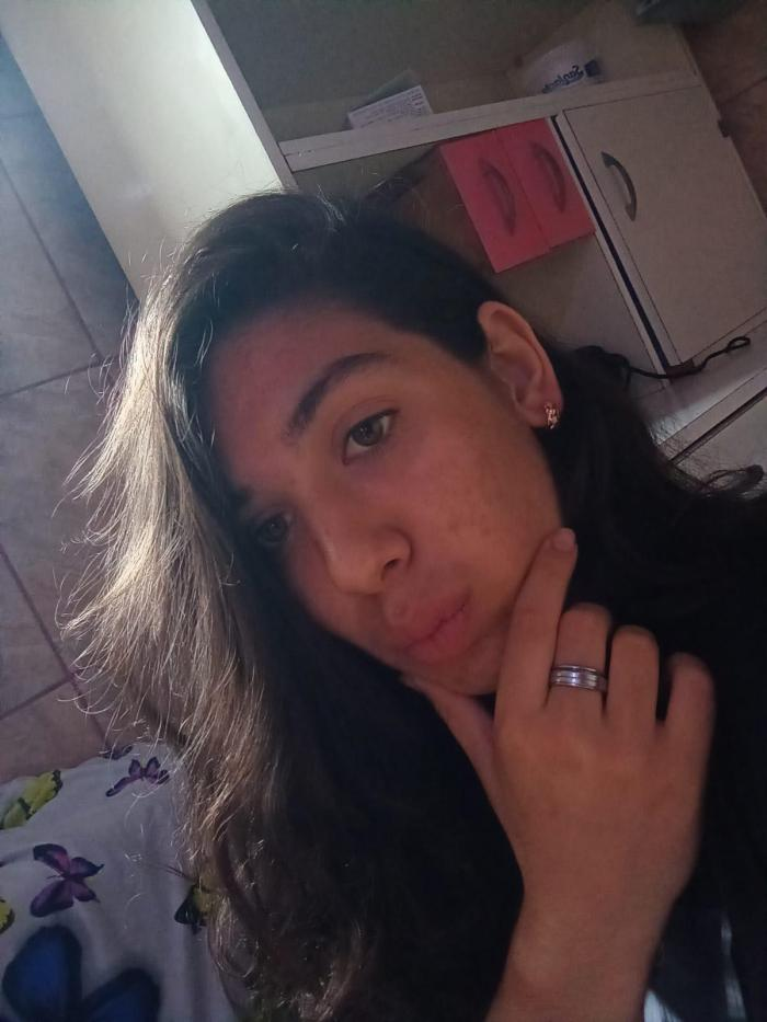 Au fost găsite surorile dispărute de aseară în Bucureşti. Andreea şi Valentina erau la un prieten de-al fetei de 15 ani