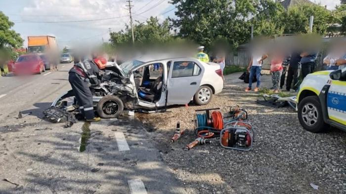 Carambol pe un drum din Suceava, provocat de un șofer de 78 de ani. Bărbatul a intrat, din senin, pe contrasens