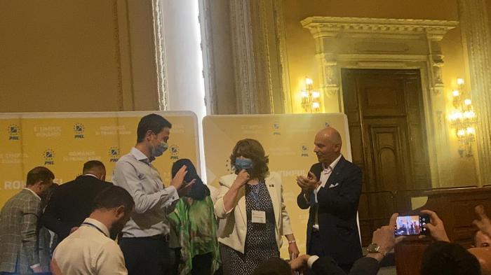 Monica Anisie a câştigat alegerile PNL pentru şefia Sectorului 2. Fostul ministru al Educaţiei, motiv de contre între Florin Cîţu şi Ludovic Orban