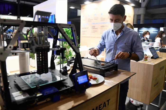Friptură sintetică realizată de compania Novameat