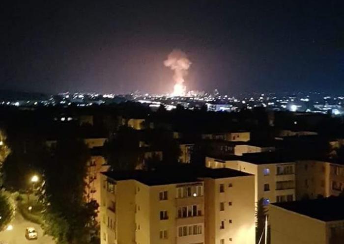 Explozie, urmată de un incendiu la combinatul Azomureș. O persoană a fost rănită. A fost emis mesaj Ro-Alert