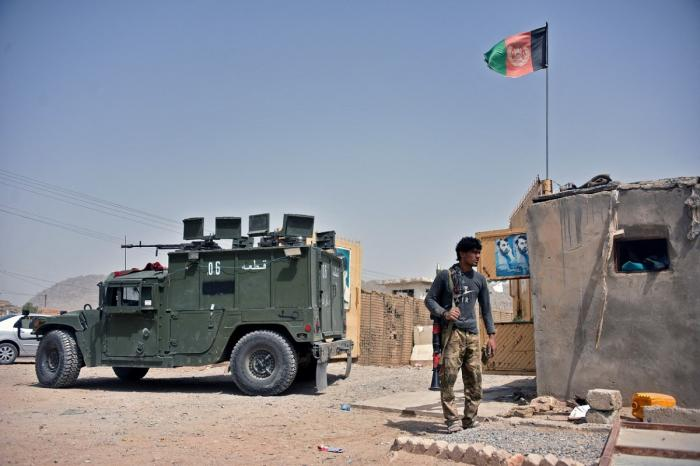 Talibanii au pus stăpânire pe bazele militare din Afganistan