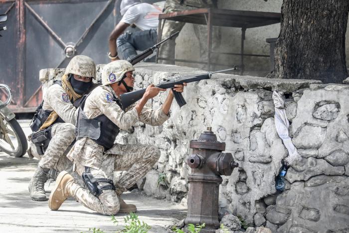 Un comando de 28 de asasini l-au ucis pe președintele din Haiti. 26 sunt mercenari columbieni, 2 au cetățenie americană