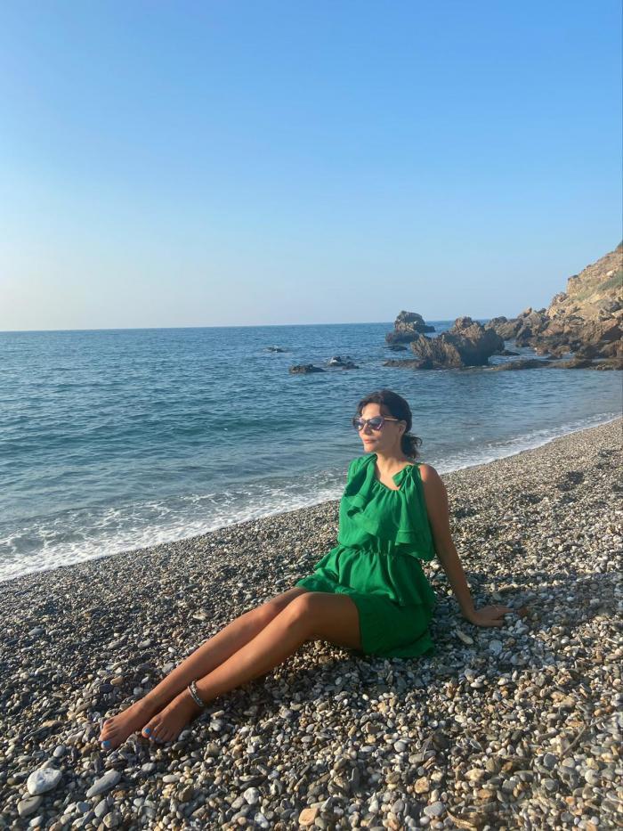 Ioana Ginghină, vacanţă în familie, în Spania şi în Grecia, înaintea revenirii pe platoul de filmare de la Adela