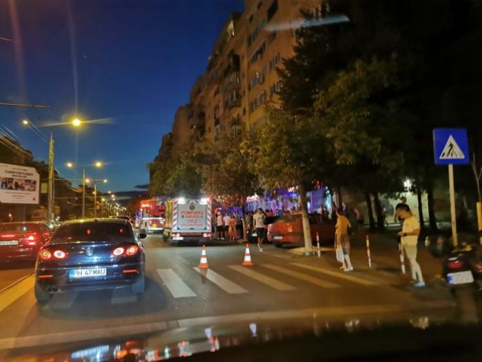 Doi frățiori de 2 ani și o lună, gemeni, au murit după ce au căzut de la etajul 10 al unui bloc din Ploiești