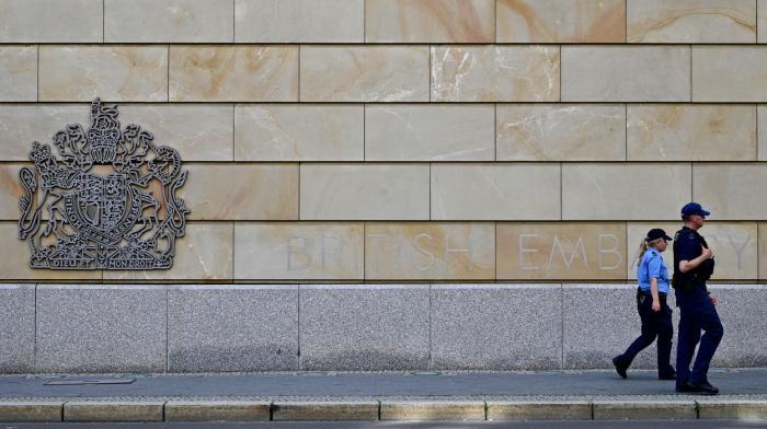 Britanic, angajat al Ambasadei UK la Berlin, suspectat de spionaj în favoarea Rusiei. Bărbatul a fost arestat în Germania