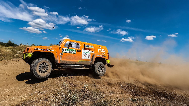 În cursa spre Dakar, echipa formată din Mihai Ban și Cheloo a înregistrat primul mare succes la o etapă de Campionat Mondial