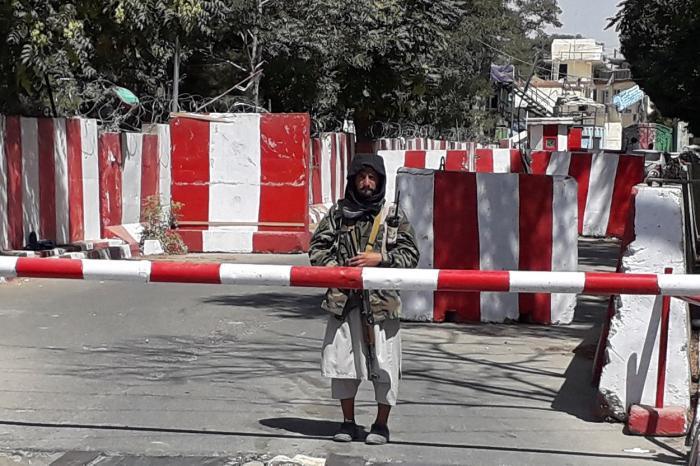 Talibanii au cucerit a zecea provincie din Afganistan. Militanţii au pus stăpânire pe oraşul Ghazni, unul dintre cele mai importante din ţară