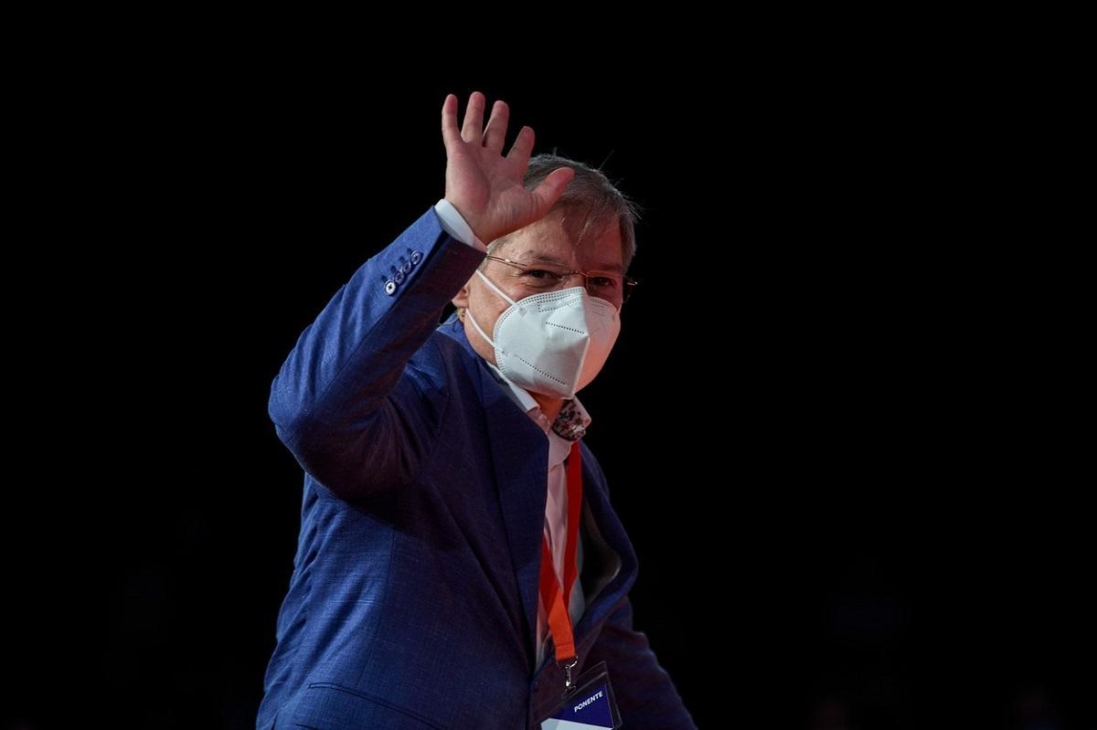 Dacian Cioloş aşteaptă lămuriri de la liderii Partidului Naţional Liberal despre situaţia lui Florin Cîţu