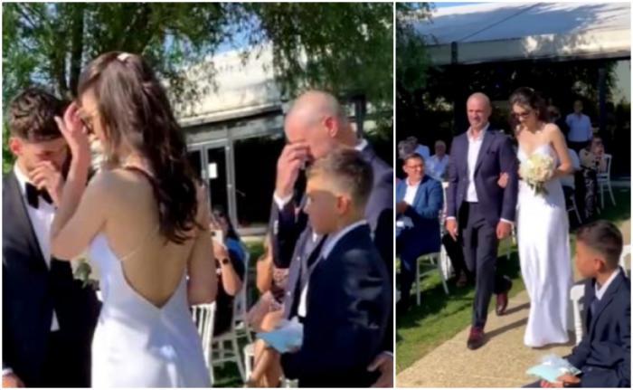 Pavel Stratan, în lacrimi la nunta fiicei sale.