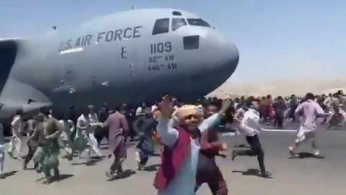"""Un adolescent de 17 ani, printre afganii căzuți de pe avionul care decola din Kabul. """"Raza spera la o viață nouă în Canada"""""""