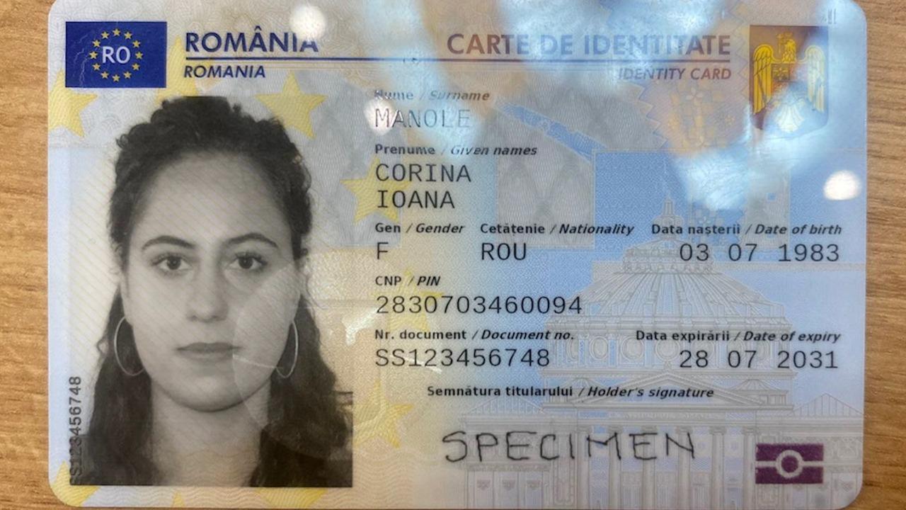 Primele imagini cu noile buletine cu cip, emise de astăzi la Cluj. Cum arată cărţile de identitate electronice   observatornews.ro