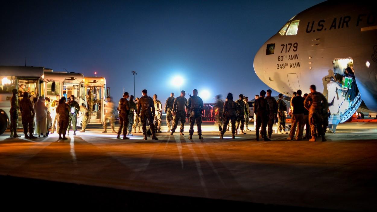 Franţa şi Spania vor opri vineri operaţiunile de evacuare din Afganistan. Decizia vine cu 4 zile înainte de expirarea termenului limită