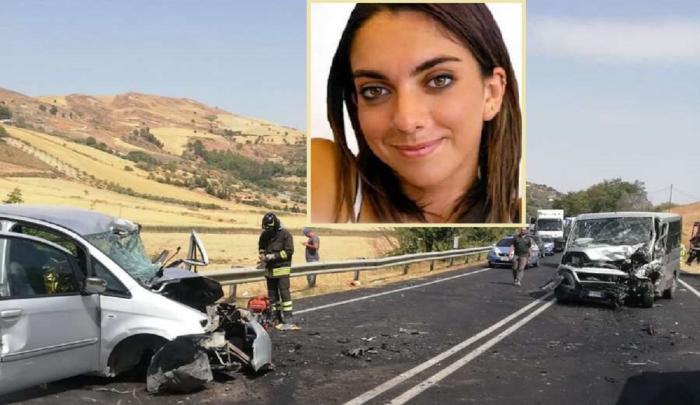 Microbuz plin cu români, accident înfiorător pe un drum din Sicilia. Claudia, o tânără studentă italiancă, a murit pe loc