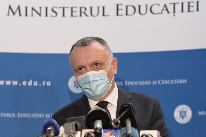 Noul an școlar începe pe 13 septembrie, cu prezență fizică, a anunțat ministrul Educației