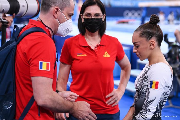 """Larisa Iordache, lacrimi amare după ce a ratat finala olimpică la bârnă: """"Nu vom înțelege niciodată de ce drumul pe care ni-l alegem este atât de dur cu noi"""""""