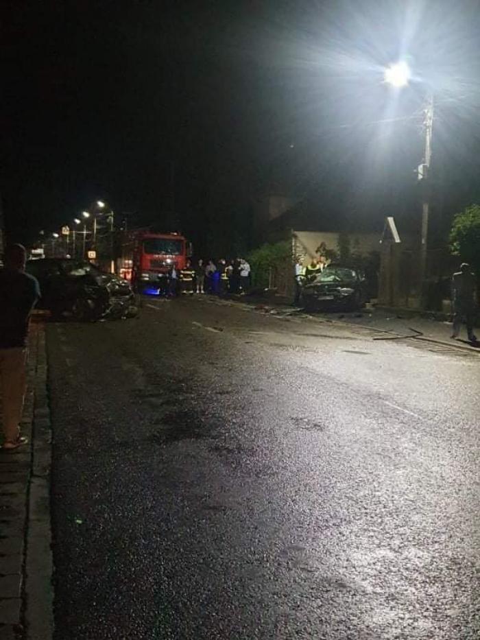 Fată de 14 ani moartă, după ce două BMW-uri s-au izbit, în Maramureș. Adolescenta ar fi împlinit 15 ani peste 10 zile