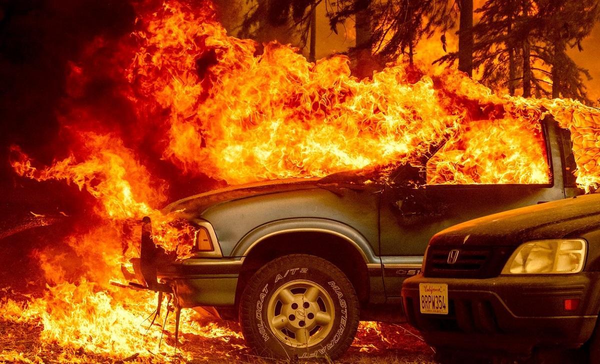 Incendiile de vegetaţie au distrus un oraş istoric din statul California