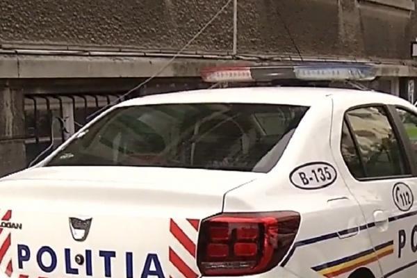 Doi bărbaţi din Vaslui, reţinuţi după ce au şicanat în trafic o maşină. Unul dintre cei doi reţinuţi a ameninţat cu un pistol neletal doi şoferi