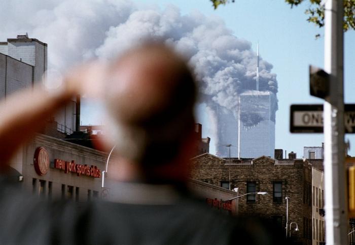 11 septembrie 2001, momentul care a îndoliat Statele Unite şi remodelat lumea. Atacurile teroriste care au şocat întreaga planetă, în imagini