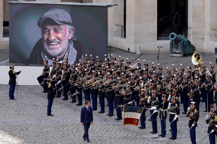 Emmanuel Macron, omagiu adus lui Jean-Paul Belmondo
