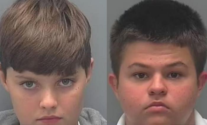 Phillip Byrd, în vârstă de 14 ani, și Connor Pruett, în vârstă de 13 ani