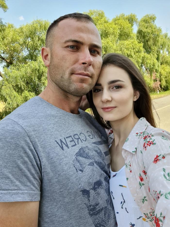 """""""De știai că cel mai iubit de tine, te va lua de lângă noi"""". Ana, o asistentă medicală de 24 de ani din Hînceşti, a fost împuşcată mortal de logodnicul său. Bărbatul s-a sinucis lângă ea"""