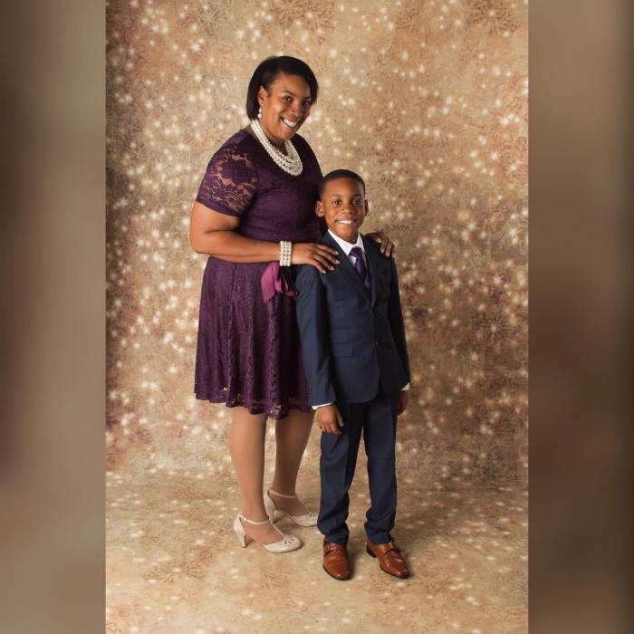 Mama împreună cu fiul de 12 ani