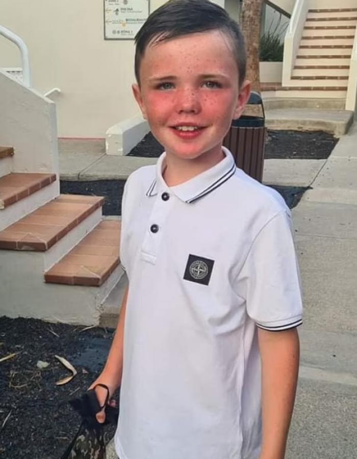 Un băieţel de nouă ani, ''amuzant şi plin de viață'', a luptat să trăiască după ce a înghiţit mai mulţi magneţi, pentru o provocare pe TikTok, în Scoţia
