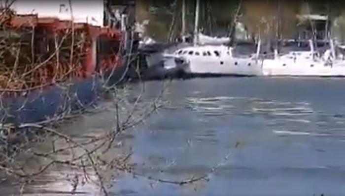 Accident în Delta Dunării: O navă străină a distrus trei ambarcațiuni de lux, după ce a rămas fără motor